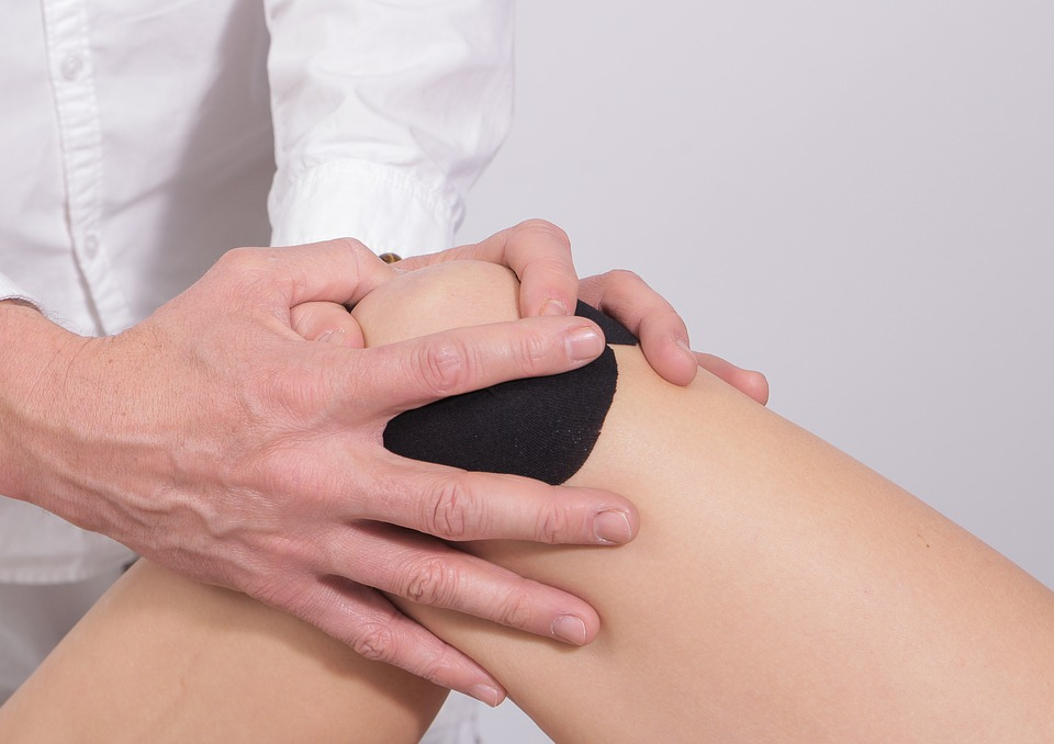 dolore al ginocchio quando lo piego e lo stendo